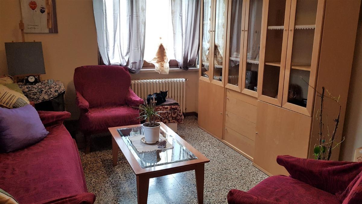 Affitto appartamento di 90 m2 ivrea to studio idea casa for Metraggio di appartamento studio