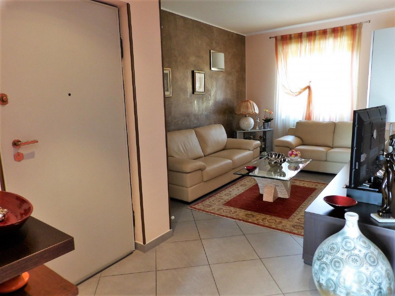 Vendita appartamento di 110 m2 romano canavese to for Metraggio di appartamento studio
